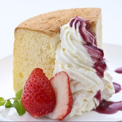 chiffon cake with sliced strawberry
